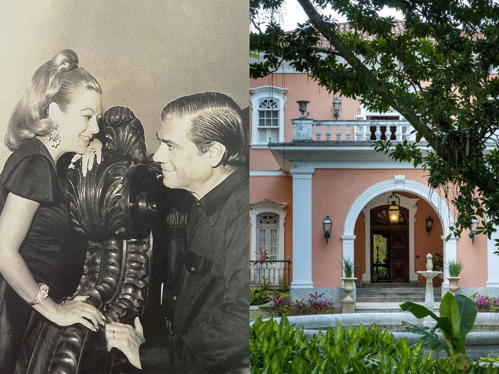à esquerda foto do casal arrumado apoiados em um adereço de madeira. à direita, entrada da casa cor de rosa com detalhes brancos. árvore na frente