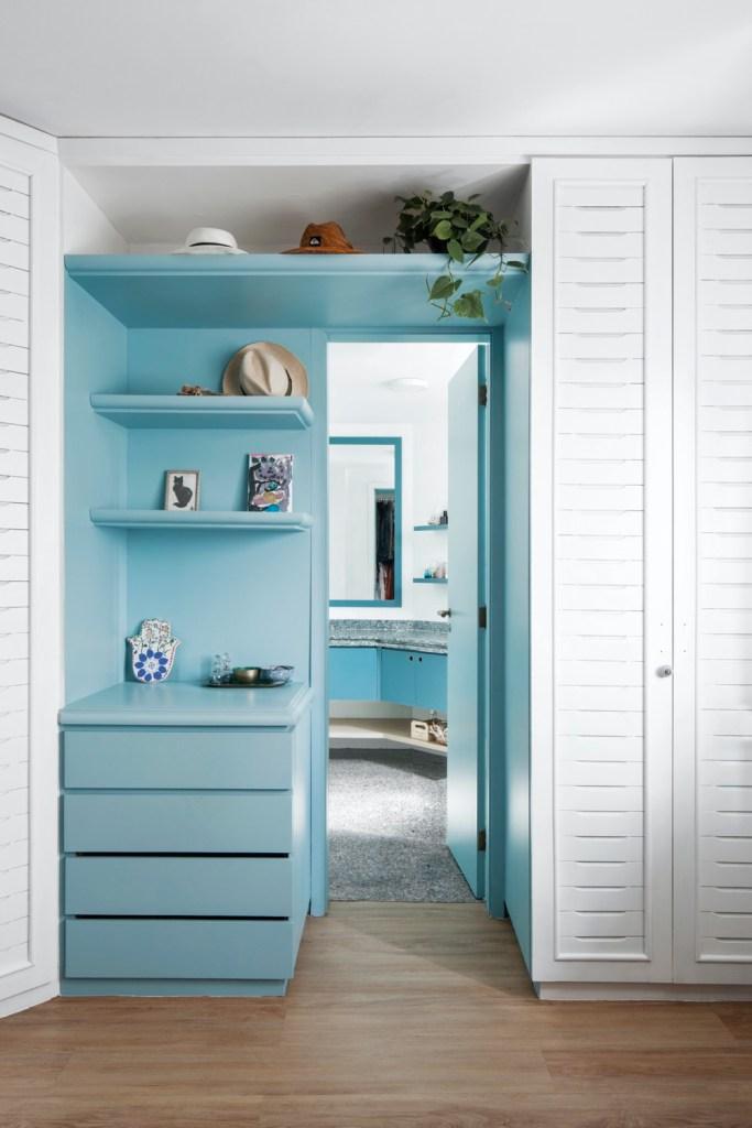 Marcenaria azul