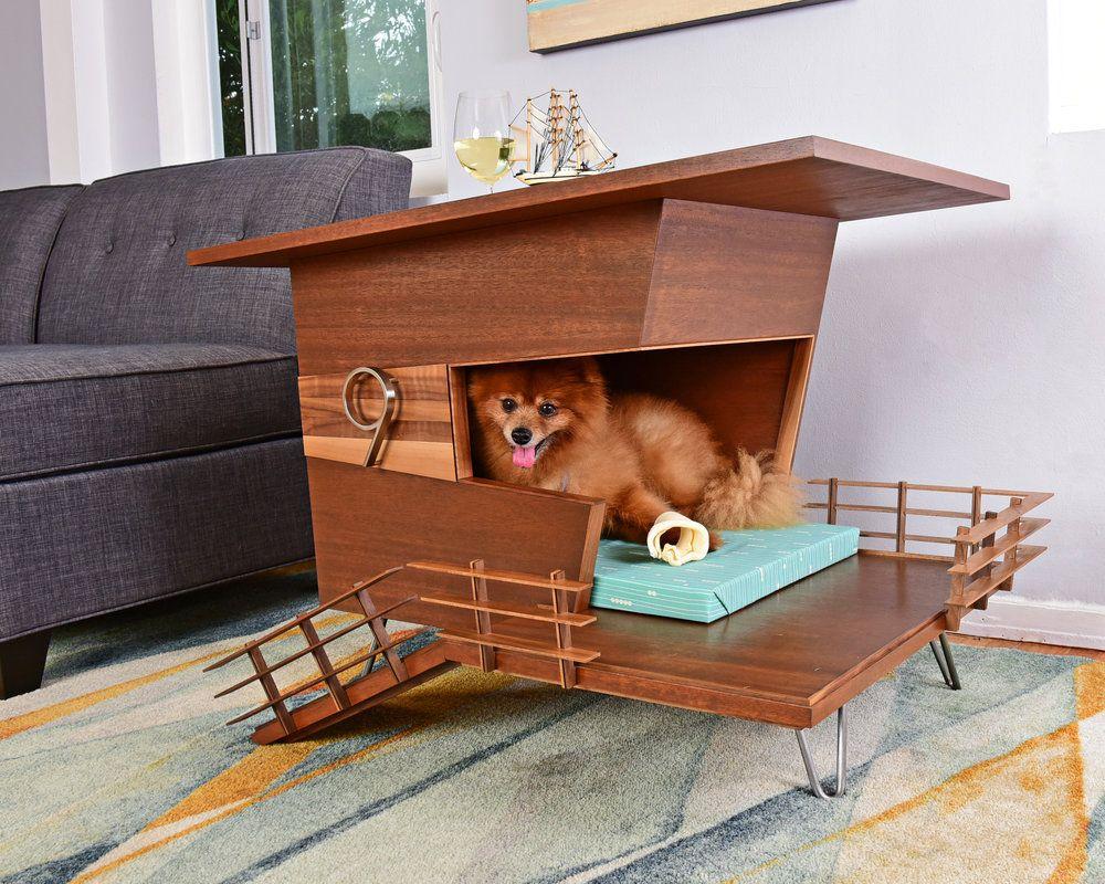 Casinha de cachorro com design de resort, que funciona também como mesa lateral