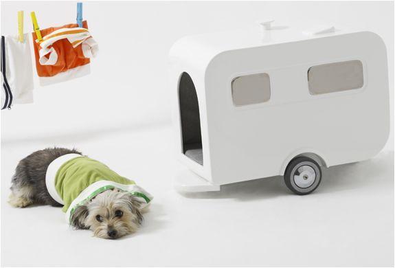 Casinha de cachorro em formato de trailer