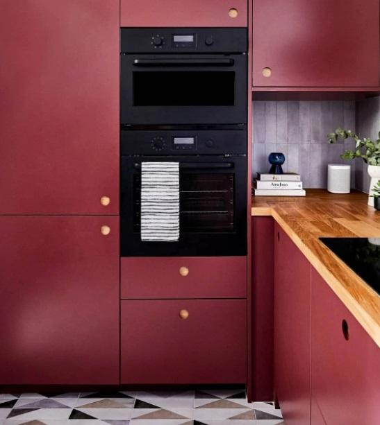 Cozinha pequena planejada monocromática