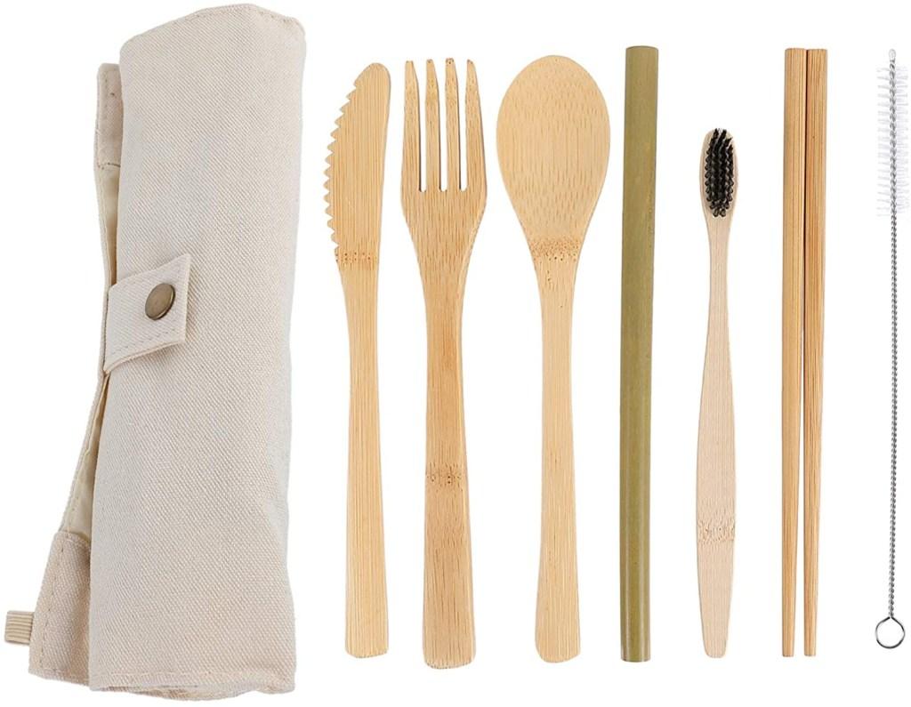 Kir Lixo Zero com bag ecologica, grafo, faca colher, canudo, escova de dente e hashis feito de bambu