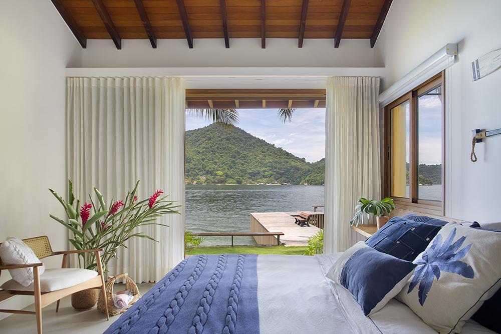 Casa de praia em Angra dos Reis tem vista linda e área para arvorismo