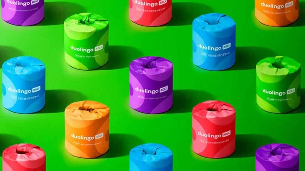 Rolos coloridos de papel higiênico