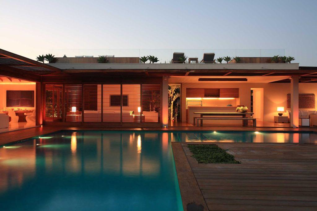 roberto migotto casa de praia arquitetura decoração madeira arquiteto profissional piscina
