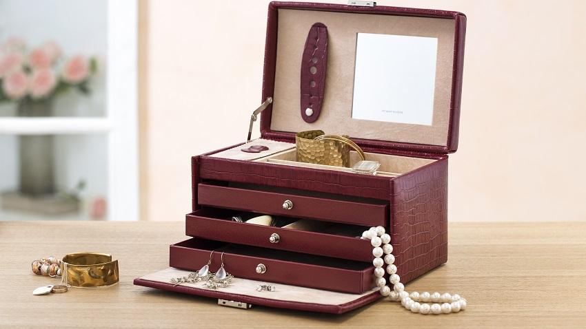 Porta bijuteria: 10 dicas para integrar na sua decoração
