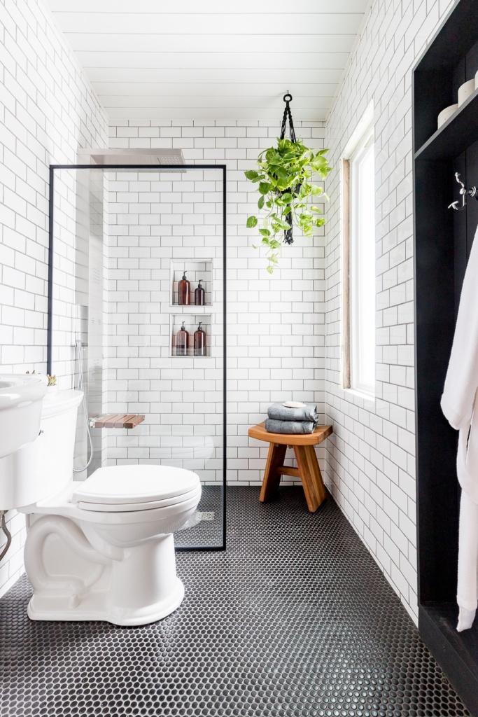 Decoração de banheiro em preto e branco