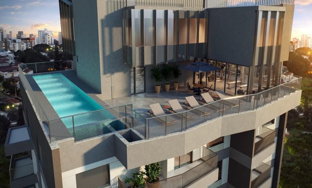 Prédio cinza. Cobertura com piscina e espreguiçadeiras.