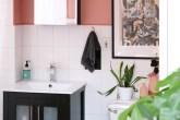 6-ideias-para-espaco-em-cima-do-vaso-sanitario-casa.com-apartment-therapy-6-jessie-ruane
