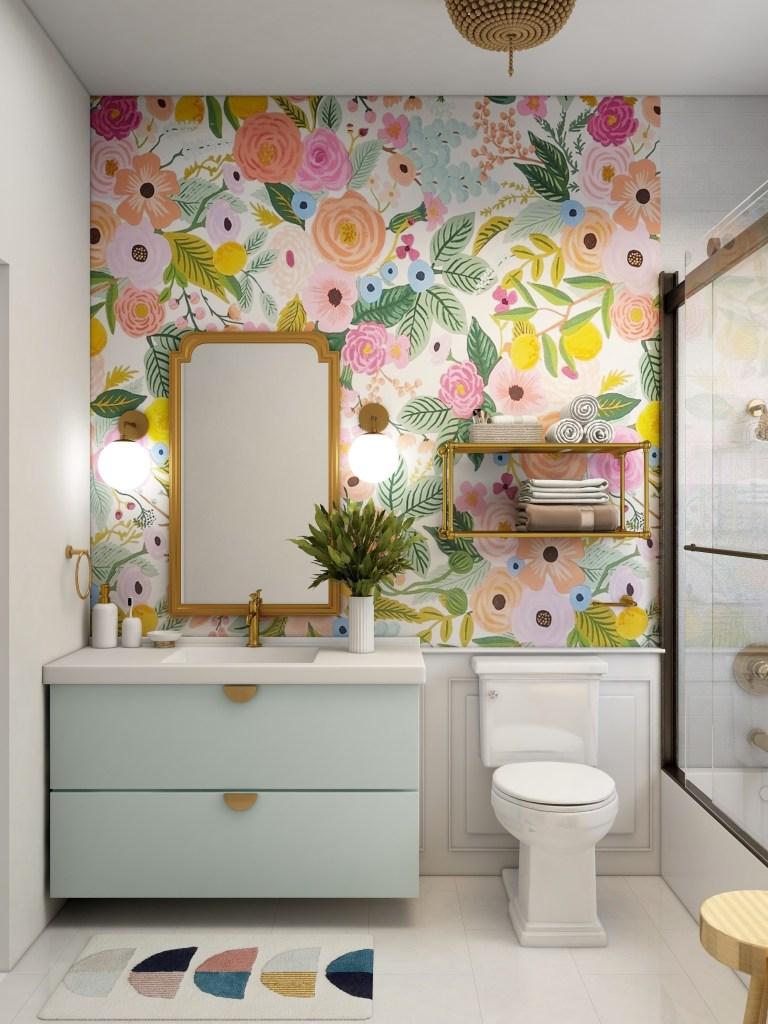 Banheiro com papel de parede de flores coloridas