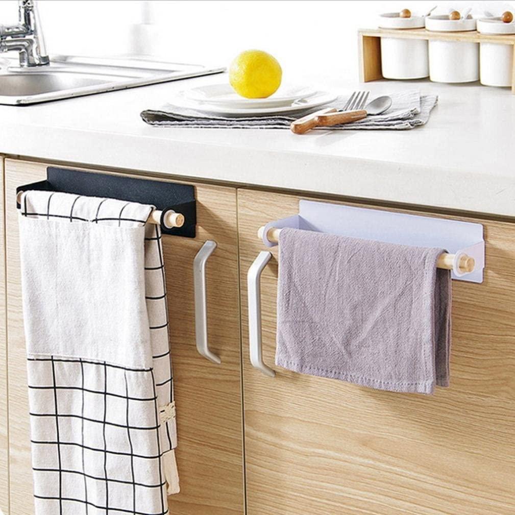 Armários de cozinha com dois panos de copa pendurados na porta. Um branco e preto mais comprido e o outro roxo e menor.
