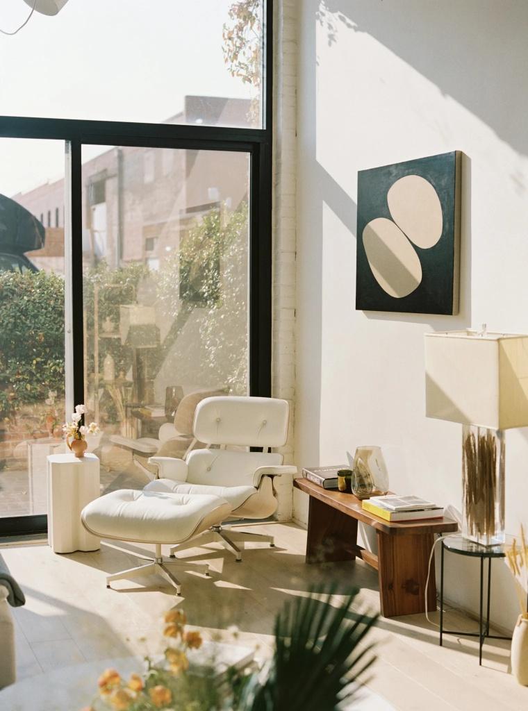 10 interiores com decoracao moderna do meio do seculo casacombr dezeen 3 Vision Art NEWS