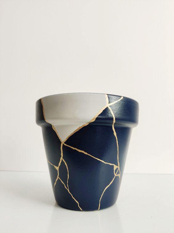 Faça Você Mesmo: Transforme uma tigela quebrada em um lindo vaso
