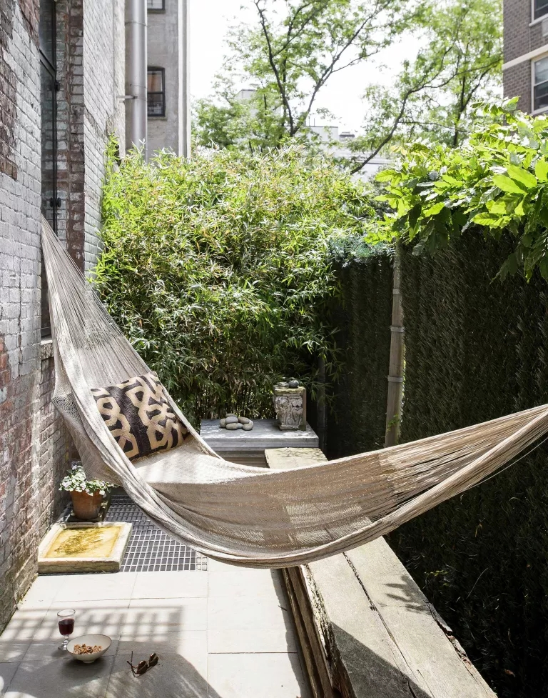 11 jeitos de criar jardins em espaços estreitos e aproveitar as laterais da casa 01 Vision Art NEWS