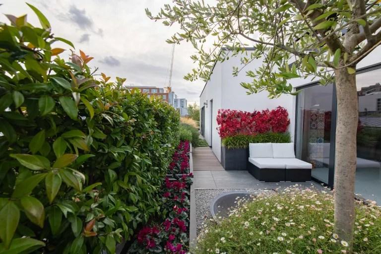 11 jeitos de criar jardins em espaços estreitos e aproveitar as laterais da casa 03 Vision Art NEWS
