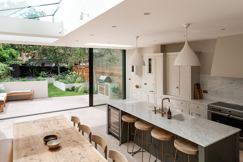 14 cozinha se abre para o jardim nesta casa em Vision Art NEWS