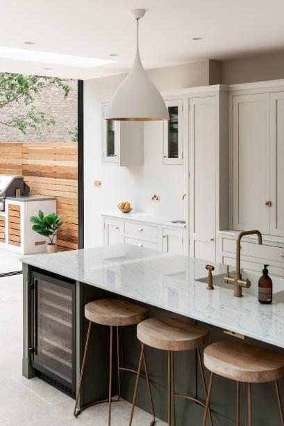 16 cozinha se abre para o jardim nesta casa em Vision Art NEWS