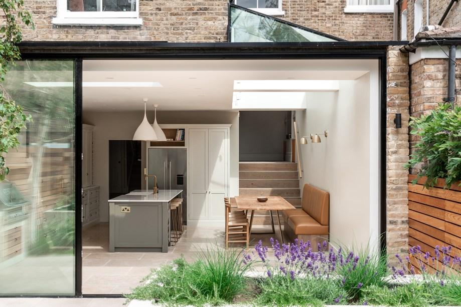 4 cozinha se abre para o jardim nesta casa em Vision Art NEWS