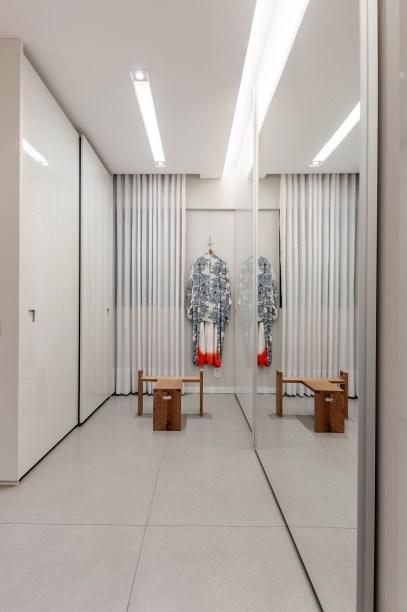 ambientes integrados com estetica minimalista e com tons claros casa.com estudio marion xavier 12 Vision Art NEWS