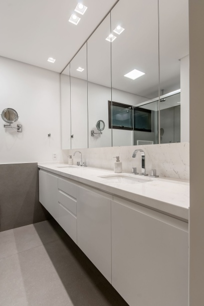 ambientes integrados com estetica minimalista e com tons claros casa.com estudio marion xavier 14 Vision Art NEWS