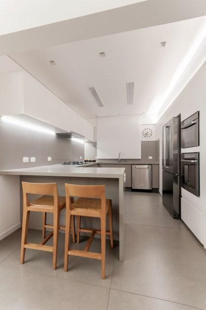 ambientes integrados com estetica minimalista e com tons claros casa.com estudio marion xavier 19 Vision Art NEWS